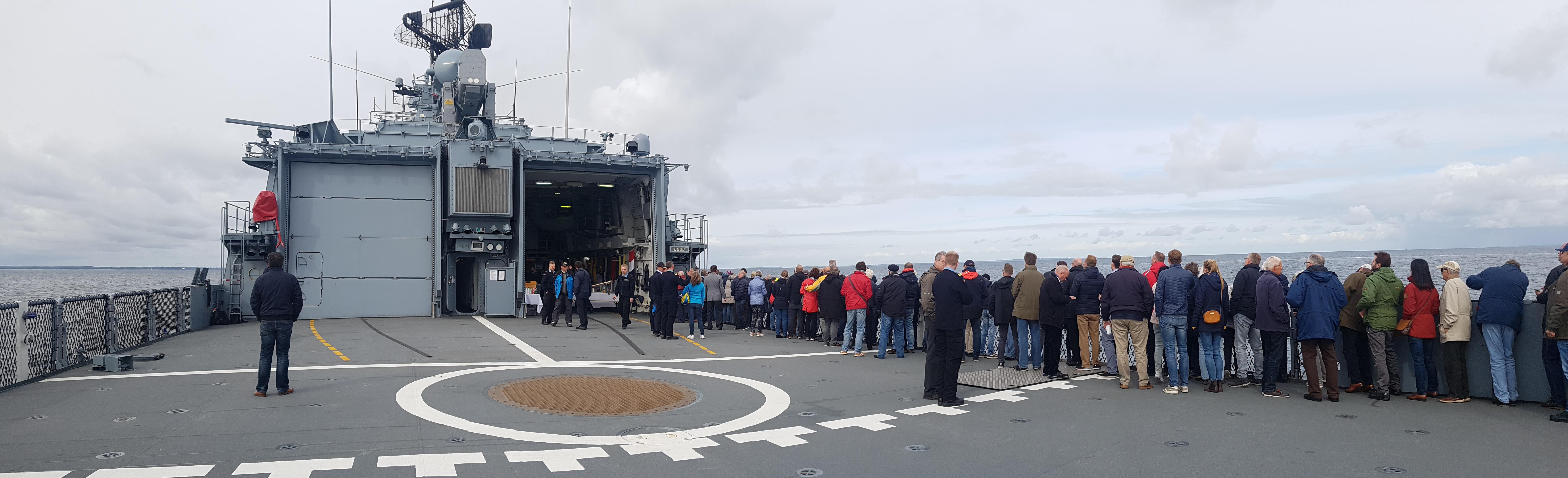41. REUNON Marine: Ausfahrt mit der SCHLESWIG-HOLSTEIN, hier Flugdeck der Fregatte, 24. September 2018 auf der Kieler Förde/ Bucht. Foto: May-Barg.