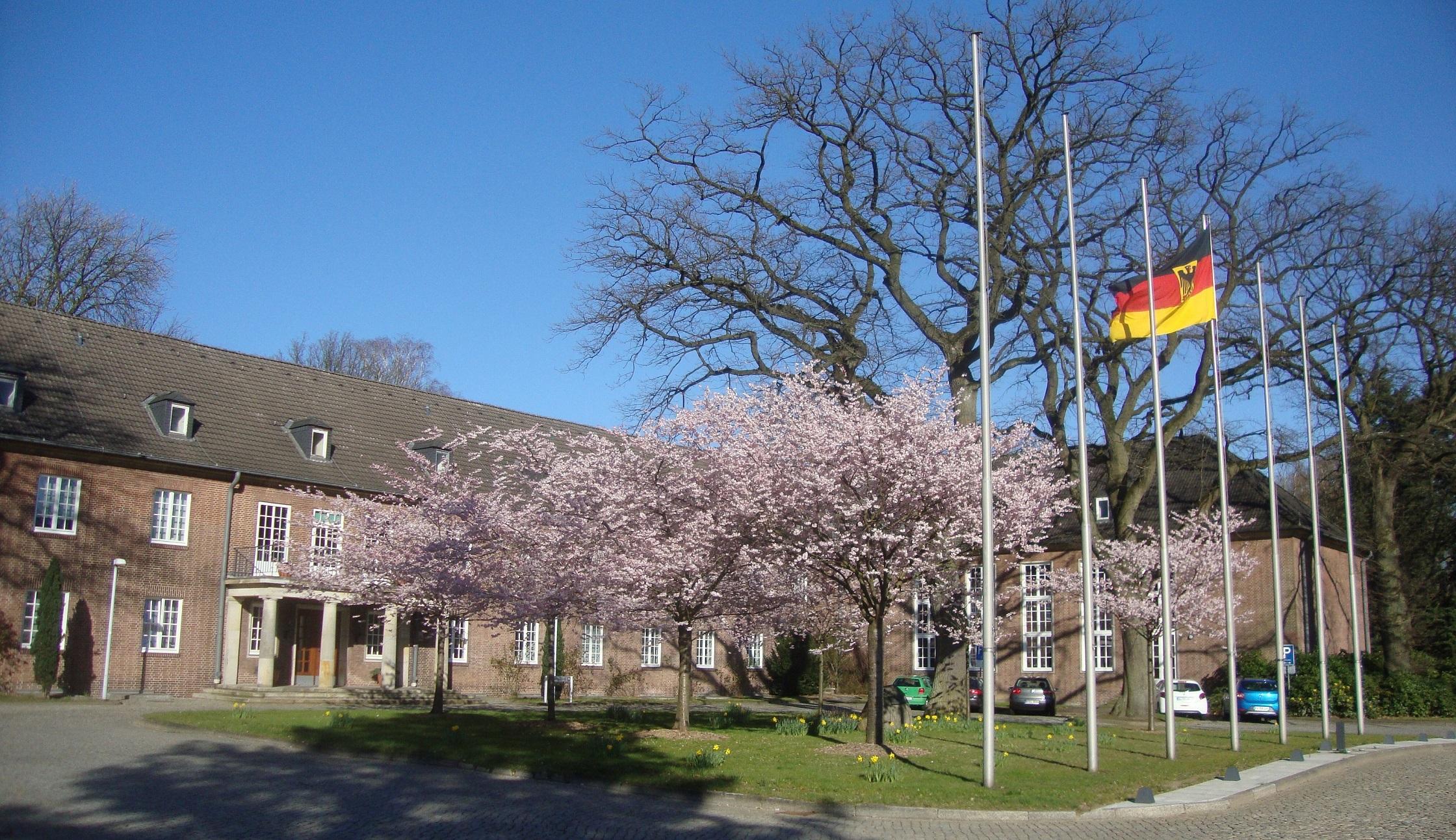 Hamburg: Führungsakademie der Bundeswehr, hier das Stabsgebäude, 1. April 2019, am Tag des Sprechertreffens der REUNION Marine. Foto: May-Barg.